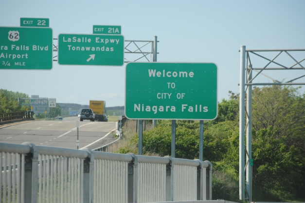 Yes! We're in Niagara Falls! Mission almost accomplished for the day!